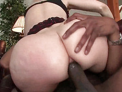 Blonde slut gets ass toyed and drilled