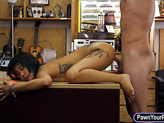 Asian babe pawns her snatch and fucked in the backroom