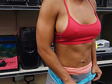Muscular woman gets fucked at pawnshop for pawning lifting set