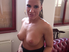 Sexy receptionist takes money and fucked