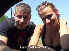 Kinky couple fucking in strangers car