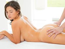 Shae Summers massage into erotic sex