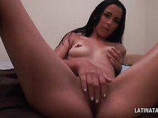 Horny wet latina rubbing her peachy cunt after shower