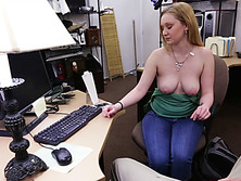 Pretty blonde babe willing to gets fucked to recover from a break up