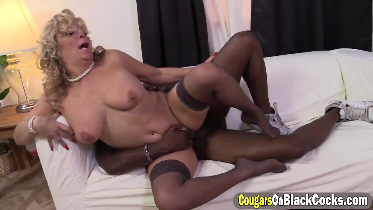 Beautiful older matures with spread legs