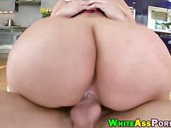 Huge bum bitch Julie Cash pounded good