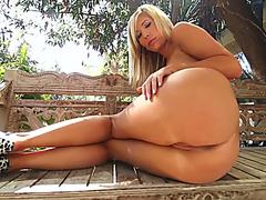 Stunning babes having great lesbian anal sex