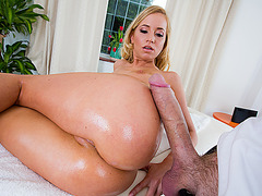 Kiara walks into a massage parlor and she gets oiled and fucked