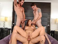 Slutty MILF Syren De Mer joins three hot dudes in foursome
