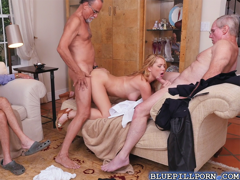 Gorgeous Blonde Teen Raylin Ann Sucks And Fucks Old Men-9827