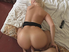 Stunning Blonde Hoe Takes Cock In Ass