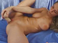 Dreadlock girl masturbating