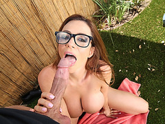 Garden hoe Ariella Ferrera fucked outside for cumshot