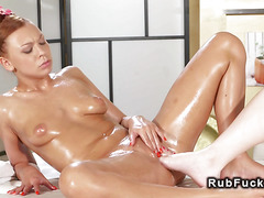 Masseuse fucks with toe oiled customer