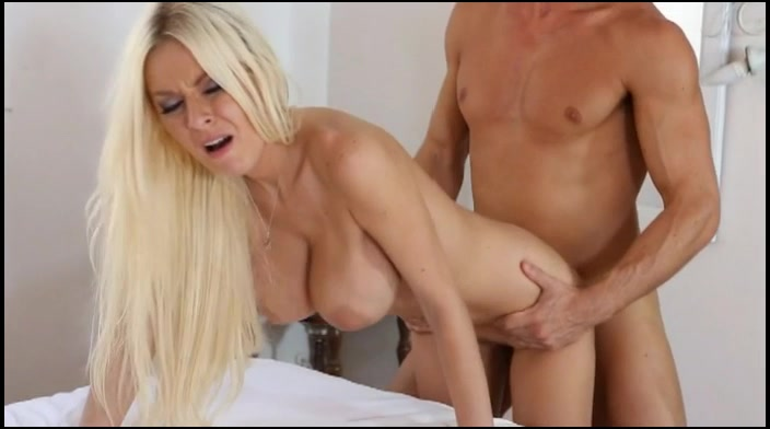Big Tits Milf Mom Begged Her Son To-4676