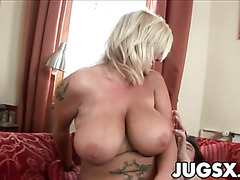 Big Tits Babe Chintia Flower