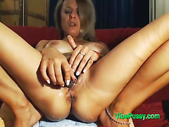 The VIBEPUSSY Ohmibod Toy Made This Milf Pussy Squirt Nonstop