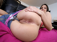 An intense fucking and creampie filling on Brooklyn Daniels hot pussy
