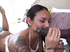 Natalia Mendez Meets A Sure Ball Pussy Whammy