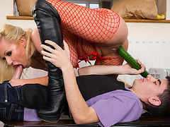 Milf Michelle Thorne got her horny pussy rammed