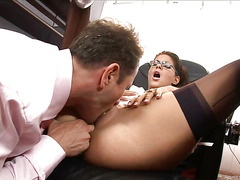 This secretary teases her boss with her cunt