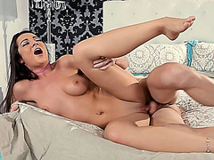 Dude stolen by his stepdaughter for a quickie fuck