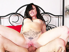 Goth punk babe made her first porn movie