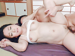 Sensual Shino Izumi uses moth and pussy during sexy porn  - More at javhd.net