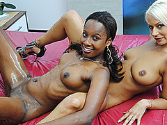 extreme hot interracial lesbian kissing toying and licking slippery nuru massage lesson