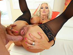 Gorgeous MILF Brittany Andrews gets her asshole penetrated hard