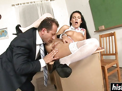 Brunette chick makes a cock disappear