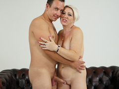 Bibi Pink got her mommy pussy fucked hard