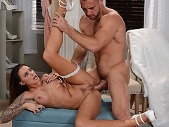 Juelz Ventura lets Johnny fuck her in the ass