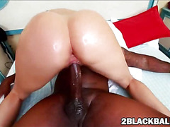 Sheila Marie pleases enormous dark cock