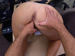 Horny hot babe got fucked for some cash