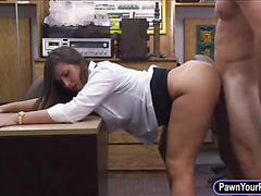 Natural tits babe rammed in the pawnshop
