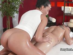 Milf fucked by lesbian masseuse