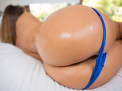 Eva Is A Newbie But She Is Fucking Hot