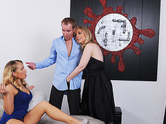Gorgeous Britney Young and her stepmom Nina Hartley enjoys theresome