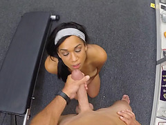 Fitness lady deepthroats a meaty rod and receives a messy facial