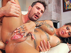 Squirting monarch Bonnie Rotten goes hardcore anal sex