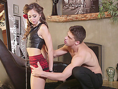 Pretty Riley Reid gets tight pussy fuck and receives a warm cumshot