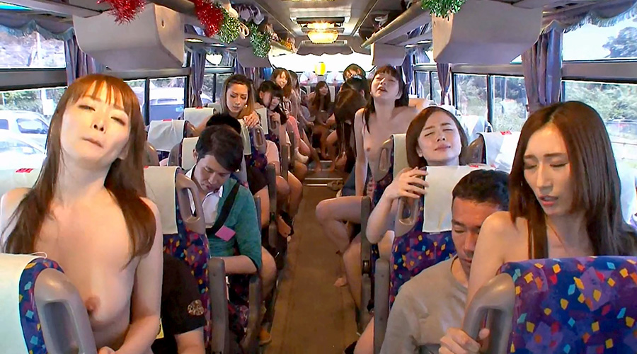 Luscious Japanese Chick Enjoys Extreme Fuck Fest On The Bus-1194