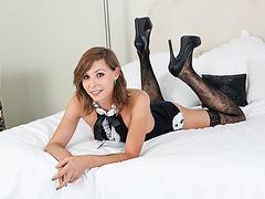 Skinny tranny Sienna Grace anal nailed